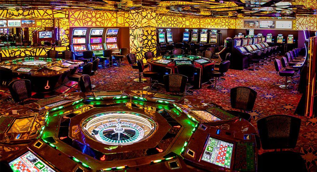 Где в россии играют в казино игровые аппараты гаминаторы